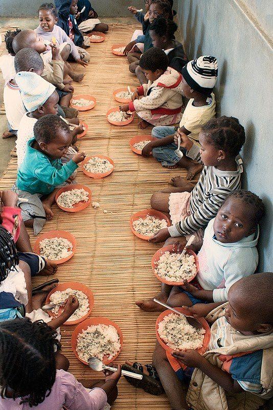 Poor African Children African children | HEA...