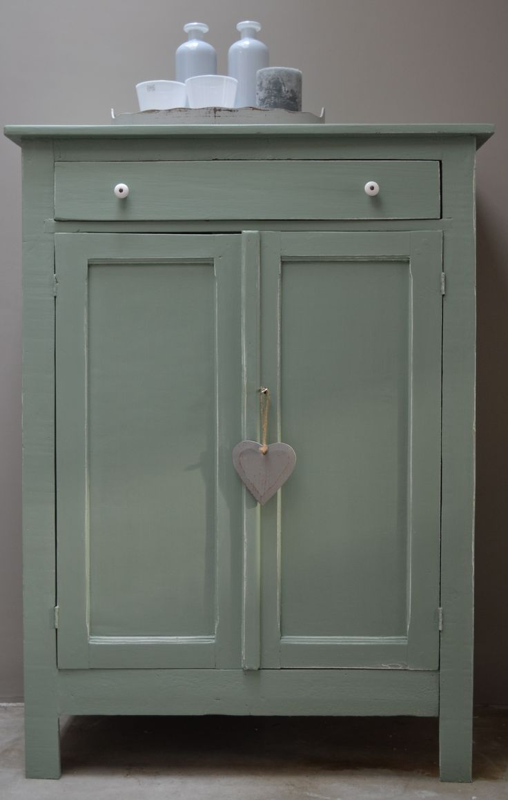 Leuke brocante kast in oud groen  Leuk in de keuken of kinderkamer  www cedante nl   BROCANTE