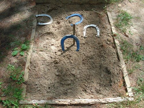 do you know how to play horseshoes easy tips for a great family game