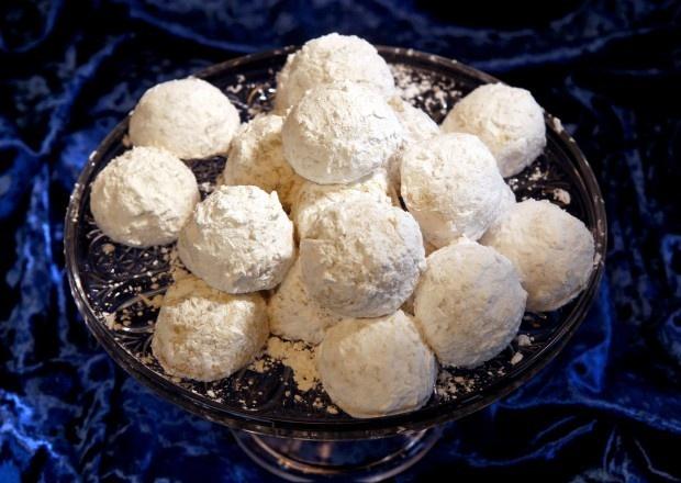 Pecan Butterballs Recipe — Dishmaps