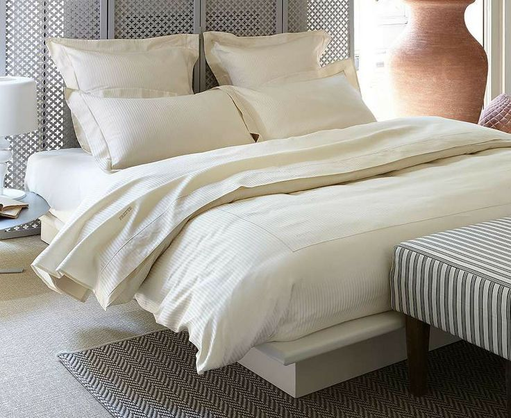 A staple at five-star hotels, our exquisite Hotel Charme Collection from Frette weds traditional charm with a modern sensibility.