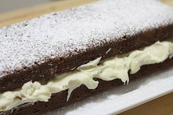 Gingerbread Spice Cake with Cream Cheese filling | Chasing Delicious