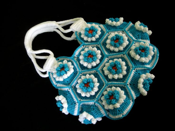 Crochet-Lily-Hexagon-Bag crochet handbags Pinterest
