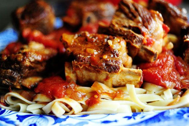 Short Ribs in Tomato Sauce | The Pioneer Woman Cooks | Ree Drummond