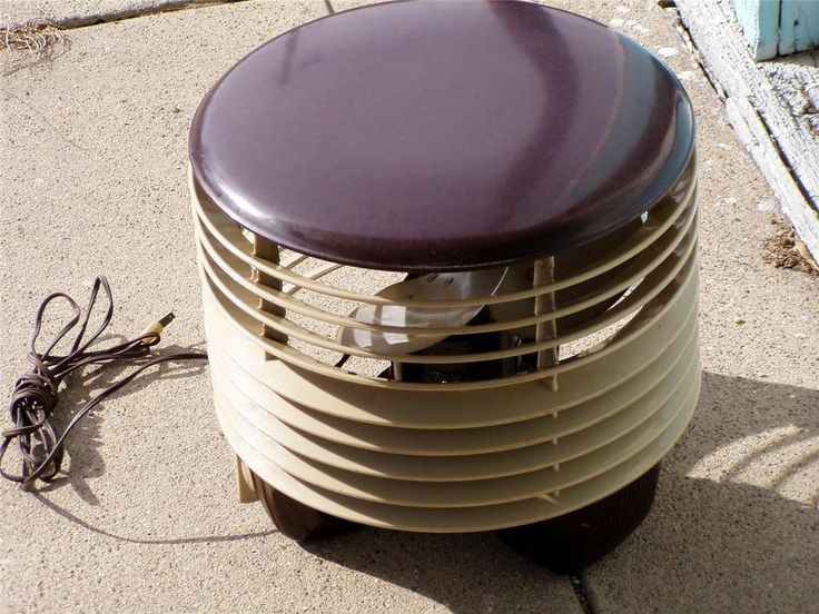 Vintage Art Deco Mid Century Modern Bakelite Circular