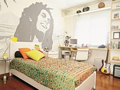 Bob Marley on the wall!