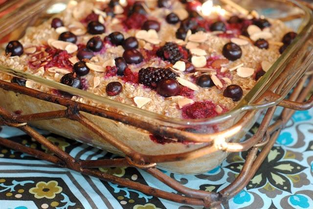 Berry Oatmeal Bake