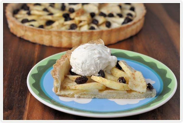 apple raisin tart with vanilla ice cream for #thanksgiving via ...