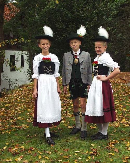 traditional costumes bavaria germany