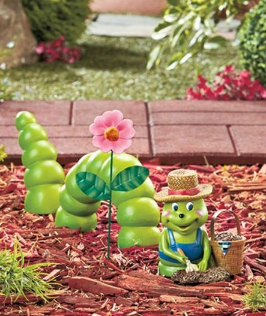 Unique garden decor yard art photograph ceramic green for Spring yard decorations