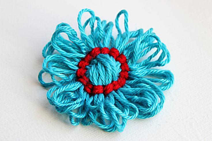 Yarn Crafts : Yarn Crafts: DIY Flower Embellishments Tutorial