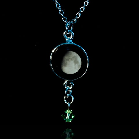 Of moon on the day you were born this one also has birthstone want