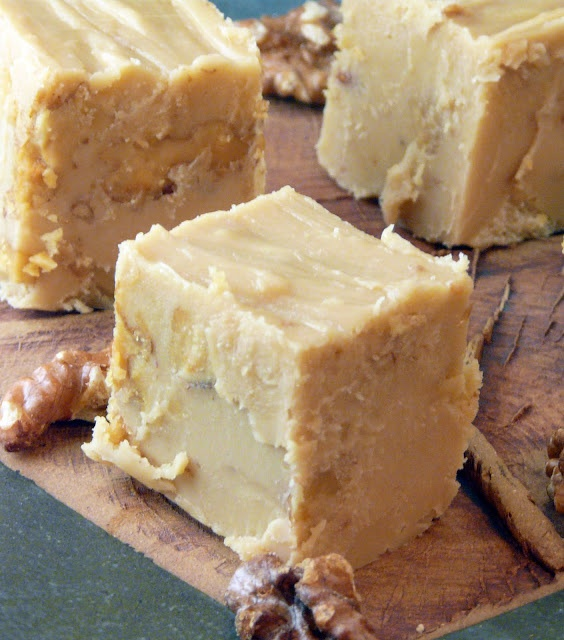 , January 05, 2010 Walnut and White Chocolate Fudge Most of the fudge ...