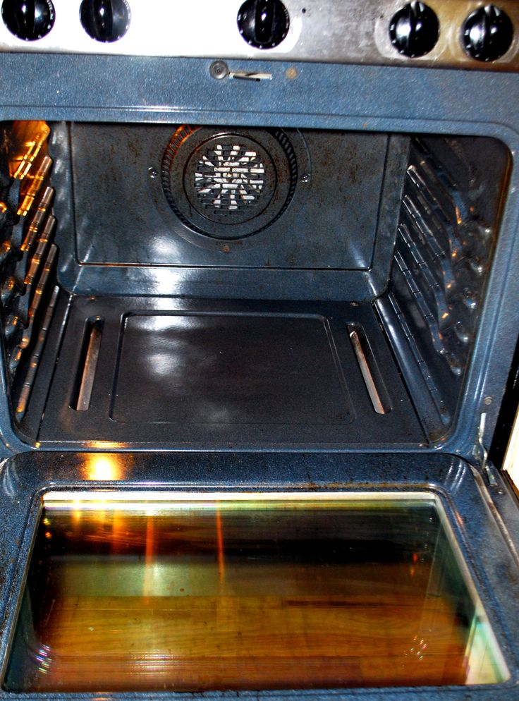 how to clean oven trays with baking soda and vinegar