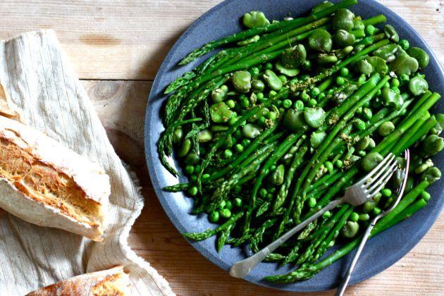 Green asparagus, fava bean and green pea salad