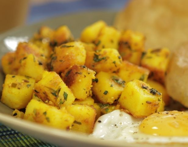 Five spice potatoes with poori (Indian) | Bon Appetit! - Breky | Pint ...