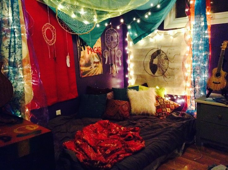 Boho hippie room bedroom ideas pinterest for Hippie living room ideas
