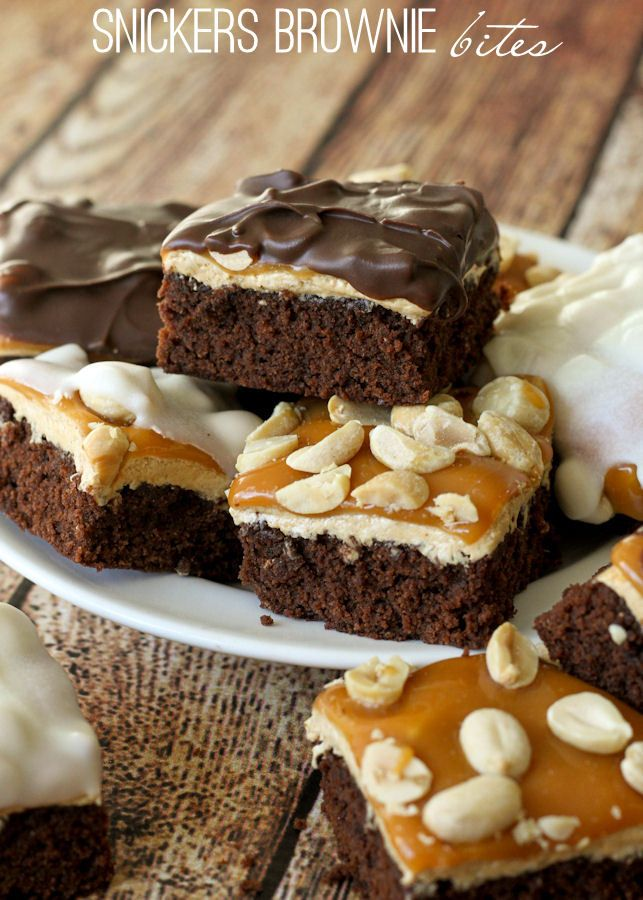 Delicious Snickers Brownie Bites with a brownie, nougat, caramel and ...