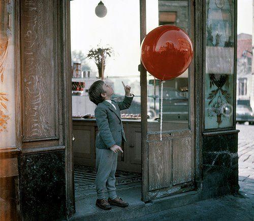 thestorycanresume:    Le ballon rouge (1956)