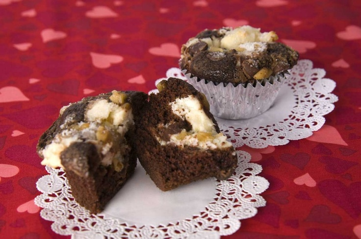 Black Bottom Cupcakes recipe. Cream cheese and chocolate, how can you ...
