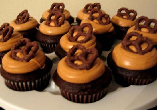 Caramel Chocolate Surprise Cupcakes