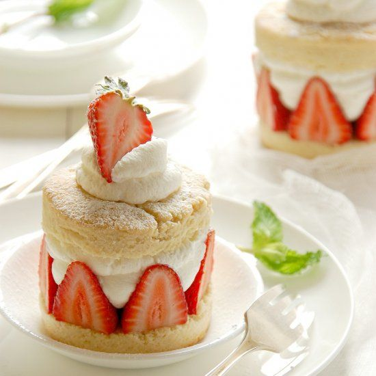 Individual Strawberry Shortcakes | Desserts | Pinterest