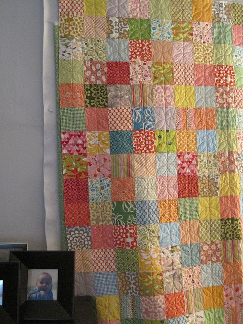 simple quilting pattern on squares - <3 - Sew Katie Did   Just like a quilt I have that my grandmother did!