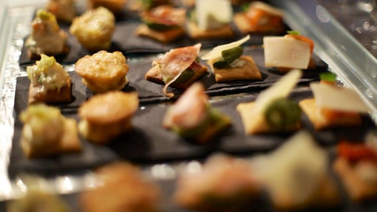 Pin by bren moreno on canapes pinterest for Canape hors d oeuvres difference