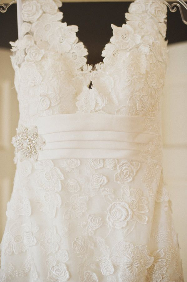 lace wedding gown...pretty style