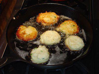 MASHED POTATO PANCAKES: Even better than hashbrowns #potato