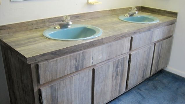 How to paint formica kitchen cabinets painting formica for Can formica kitchen cabinets be painted