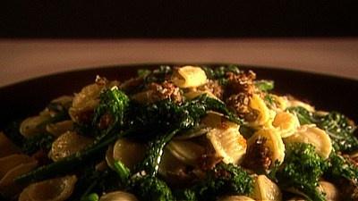 giada's orecchiette with spicy sausage and broccoli rabe