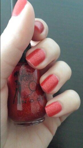 Nail red