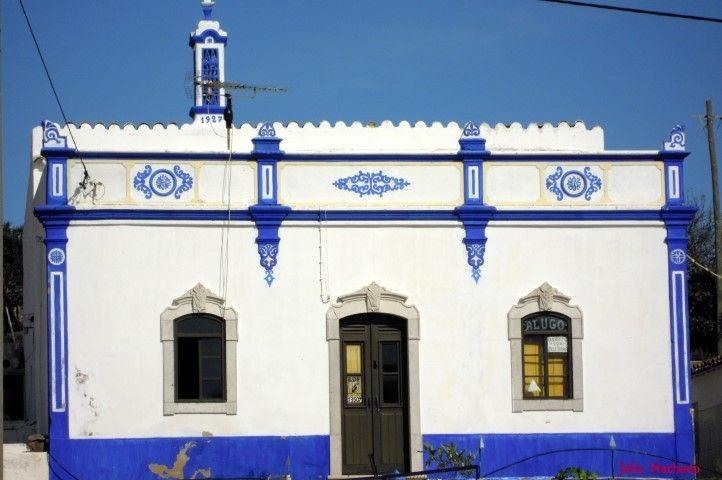Pin fachada casas tradicional dos plantas and post for Fachada tradicional