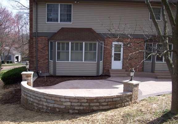 short sitting/retaining wall