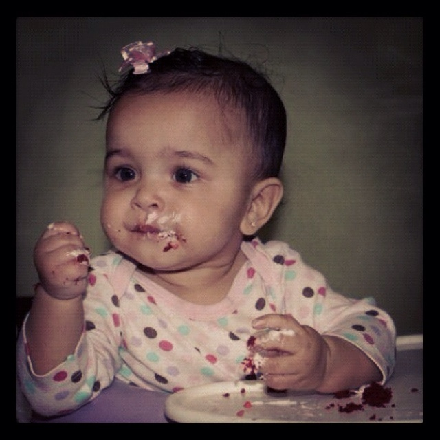 Images Baby Eating Birthday Cake : baby eating cake... Lunch Time! Pinterest