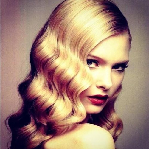 5 minute hairstyles for short hair : 40s hairstyle Coiffure.....Hair Style Pinterest