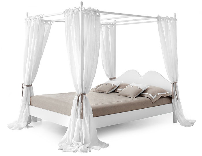 traditional canopy double bed ansouis master bedroom