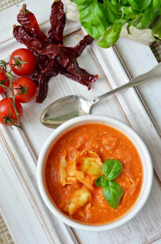 smoky tomato soup | Food Styling Photography | Pinterest
