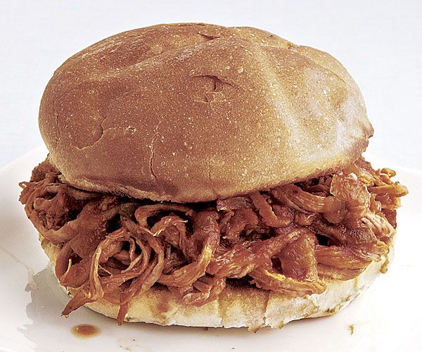 Slow Cooker Pulled-Pork Sandwiches recipe..YUM..Pork eaters will be ...