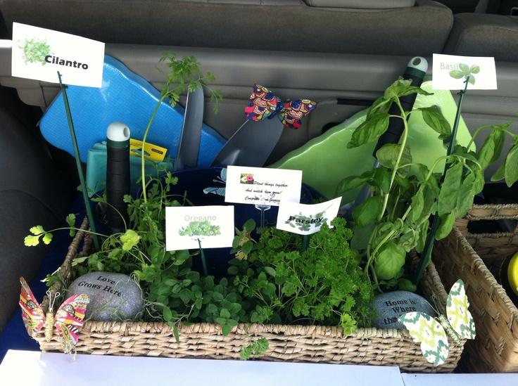 Pinterest for Gardening tools gift basket