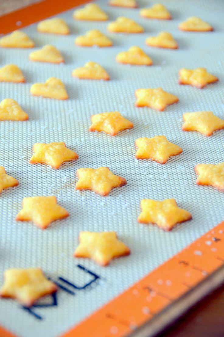 Gluten-Free Cheddar Crackers - Free Eats (use Daiya cheese to make ...
