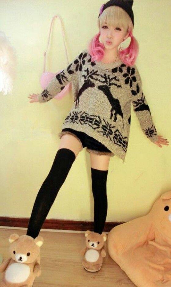 Japanese gyaru fashion . So Kawaii!