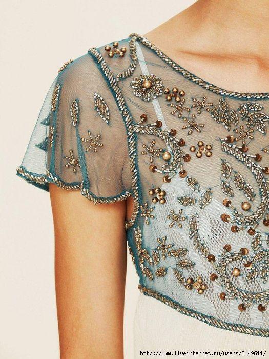 Вышивка на ткани бисером на платье
