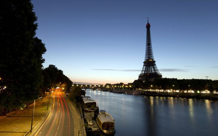 eiffel tower opening times bastille day