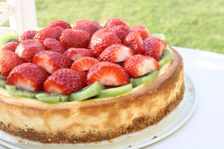 Strawberry Kiwi Cheesecake + Food Resolutions Review | Recipe