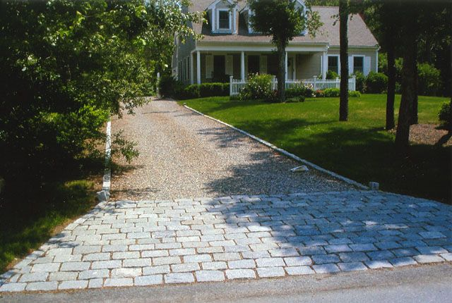 Cobblestone driveway apron and edging home ideas for Driveway apron ideas