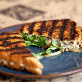 grilled pizza with fontina and arugula recipes dishmaps grilled pizza ...