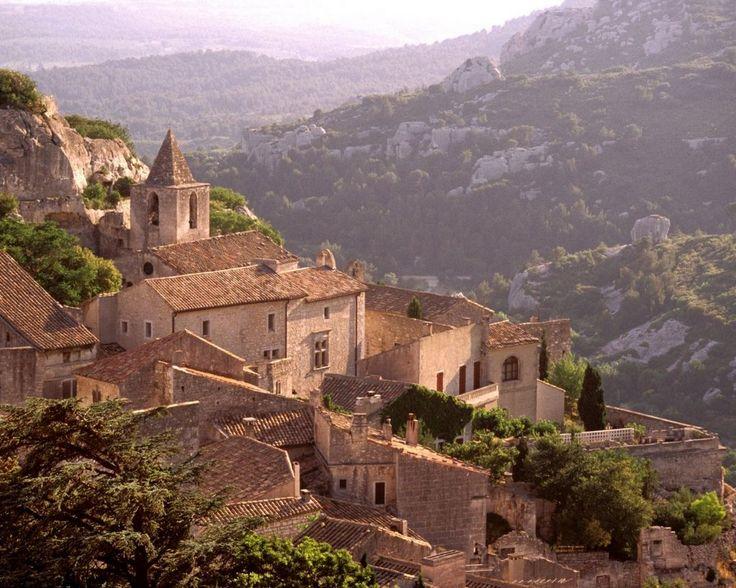provence alpes cote d azur bouches du rhone mairie de saint remy de provence .