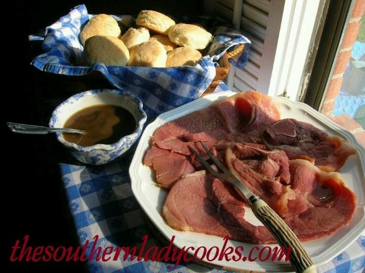 Biscuits, Ham red eye gravy   Breakfast & Brunch!   Pinterest